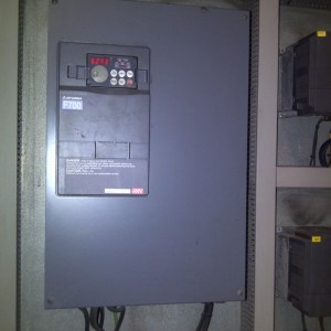 PRODUCT NO 25 - INVERTER MITSUBISHI F700